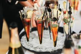 winter wedding drinks